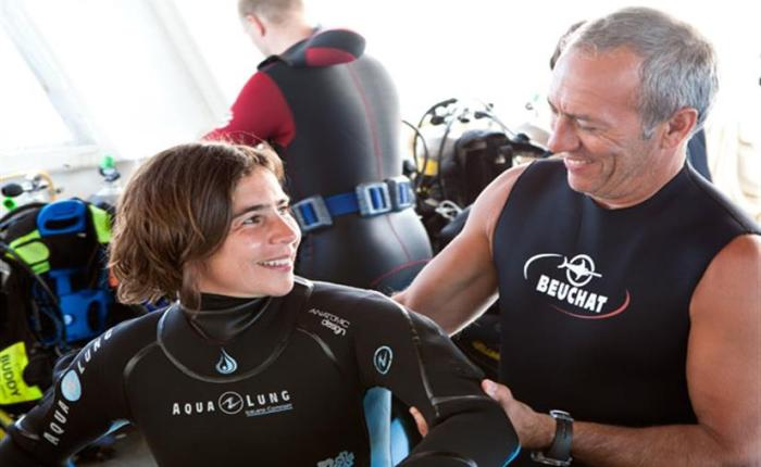 The 5 most difficult decisions you'll ever have to make as a liveaboarddiver.