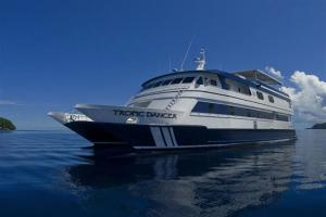 Tropic-Dancer-Yachtw825h550crwidth825crheight550
